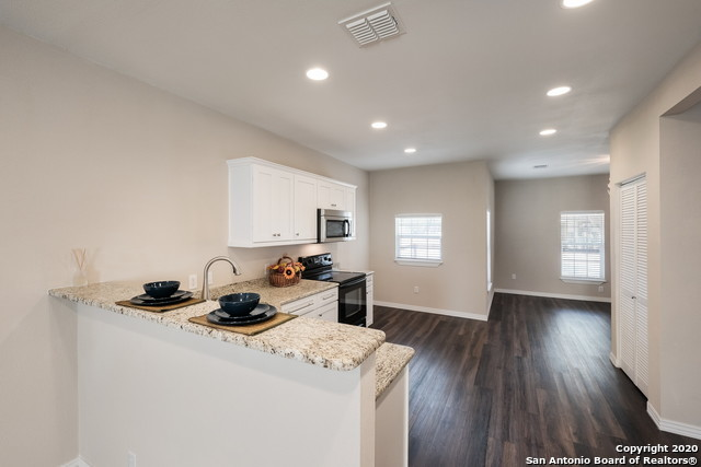 Active Option | 1202 Center St San Antonio, TX 78202 10