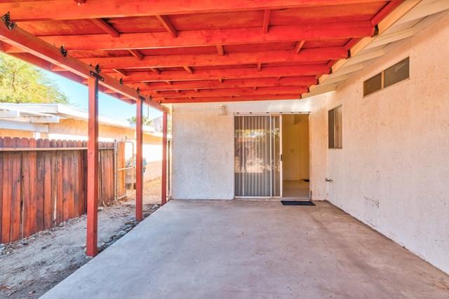 Active Under Contract | 53911 Avenida Velasco La Quinta, CA 92253 24