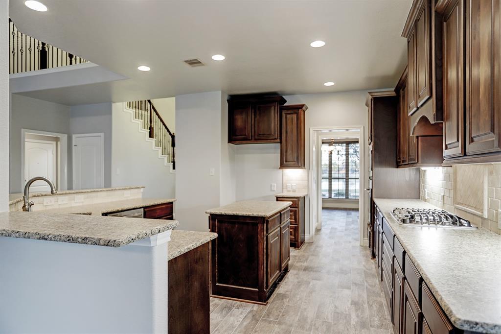 Option Pending | 19903 Crested Peak  Lane Cypress, TX 77433 9
