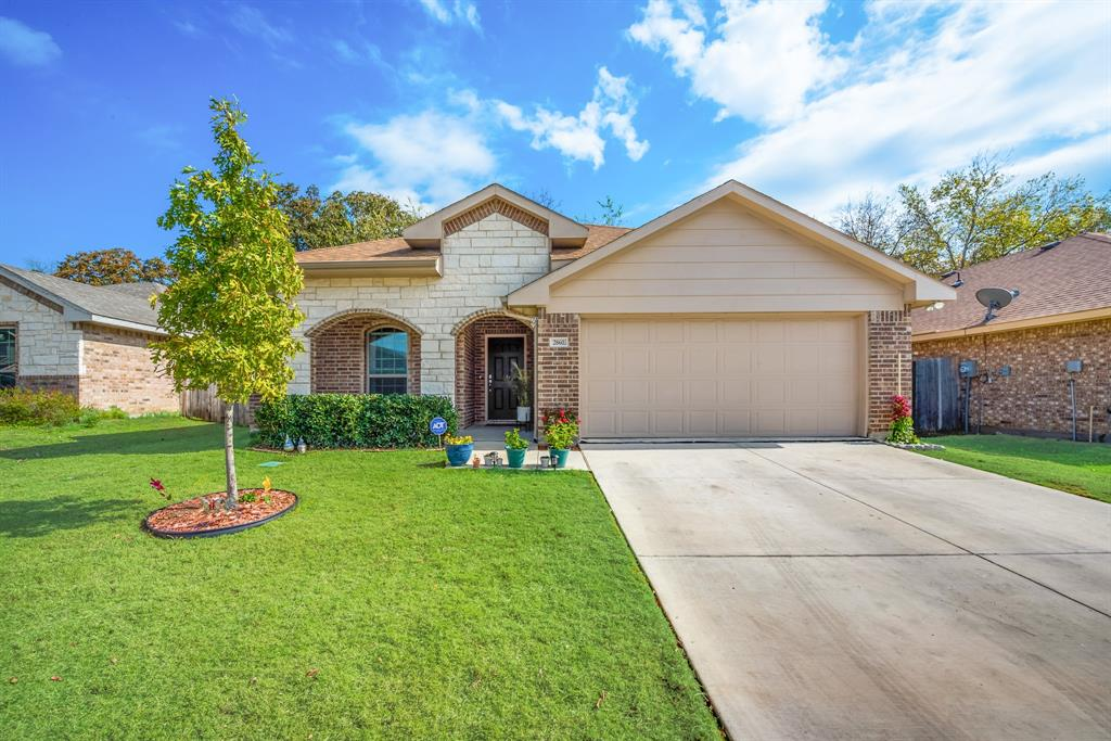 Pending | 2860 Pacifico  Way Fort Worth, TX 76111 0