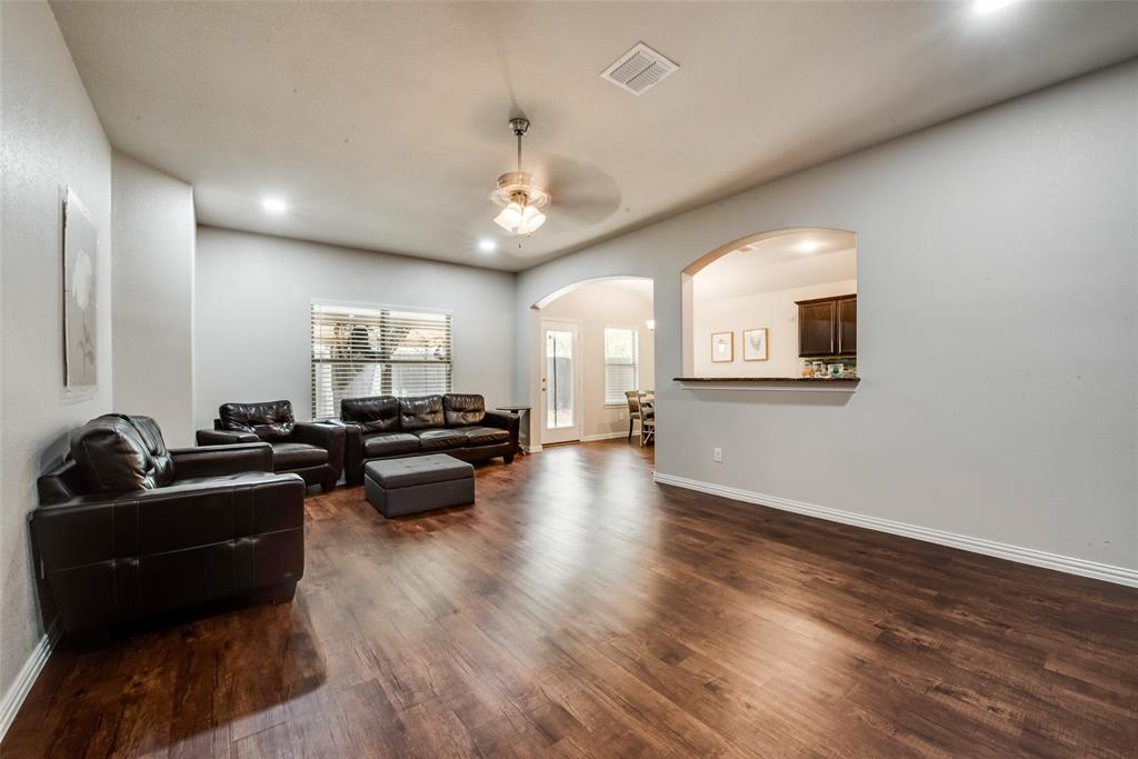Pending | 2860 Pacifico  Way Fort Worth, TX 76111 4