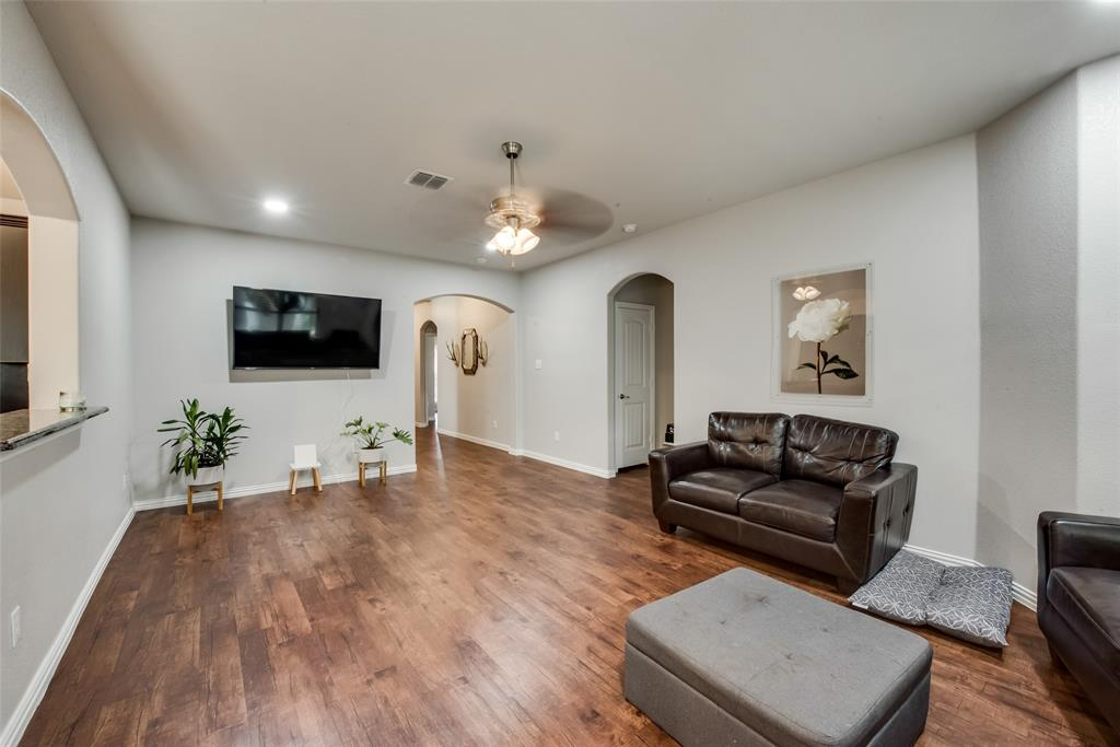 Pending | 2860 Pacifico  Way Fort Worth, TX 76111 5