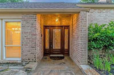 Off Market   10214 Briar Rose Drive Houston, Texas 77042 4