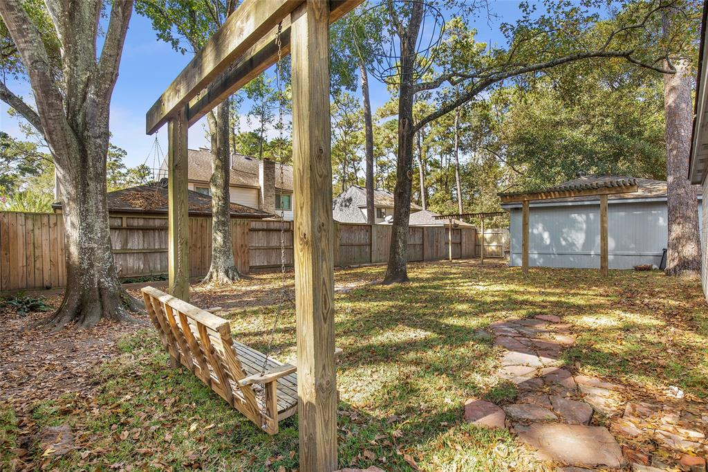 Option Pending | 4323 Long Glen  Drive Kingwood, TX 77339 9
