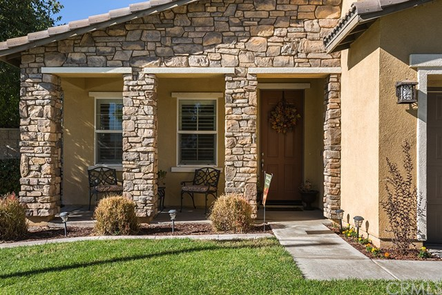 Closed | 6745 Ramblewood Court Eastvale, CA 92880 2