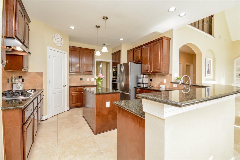 Active   26627 Granite Knoll  Lane Cypress, TX 77433 32