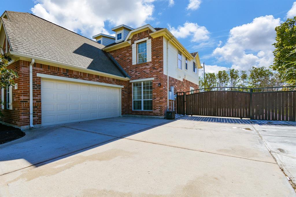 Active   26627 Granite Knoll  Lane Cypress, TX 77433 3