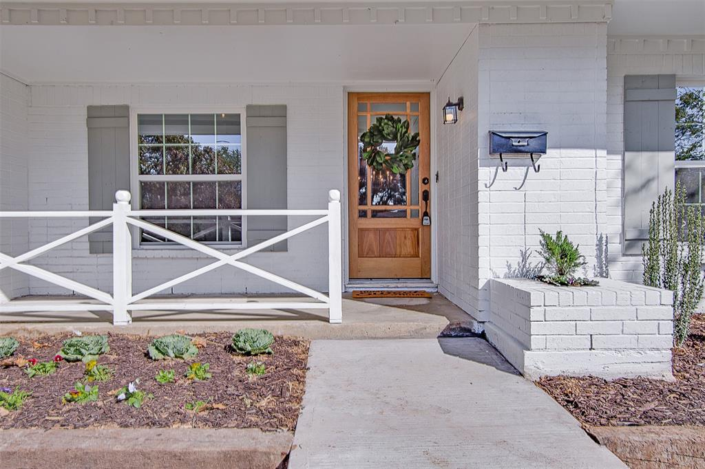 Active Option Contract   3428 Denbury  Drive Fort Worth, TX 76133 3