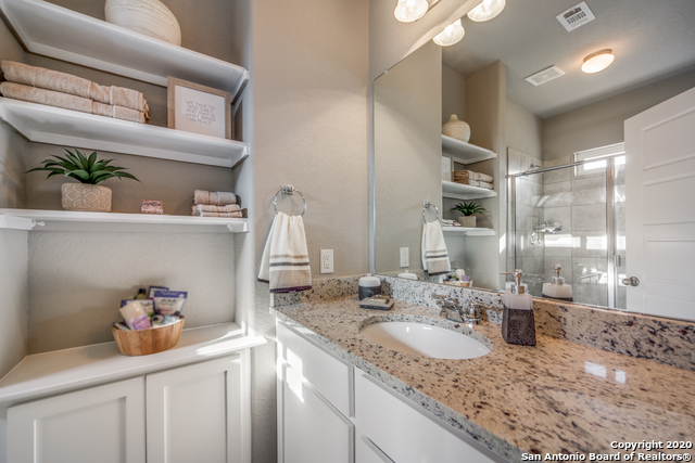 Active | 2015 Silver Oaks  Dr  #Unit G #B San Antonio, TX 78213 12