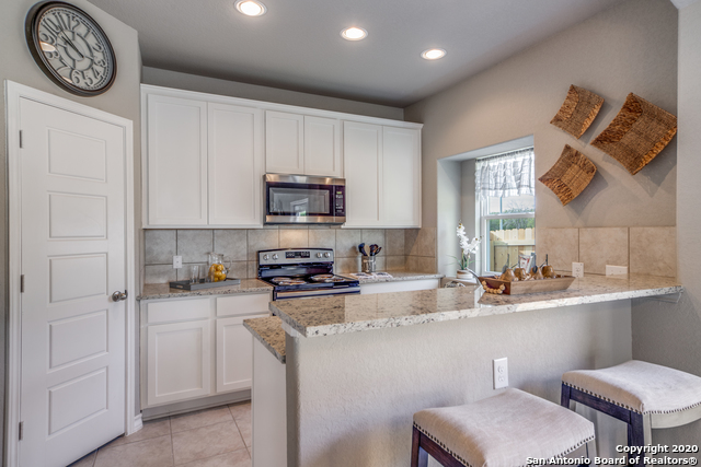 Active | 2015 Silver Oaks  Dr  #Unit G #B San Antonio, TX 78213 8