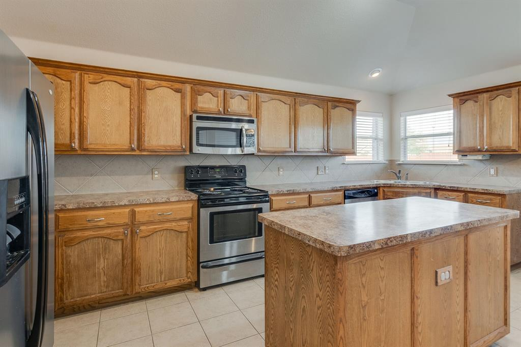 Active Option Contract | 8316 Mule Deer  Run Fort Worth, TX 76179 9