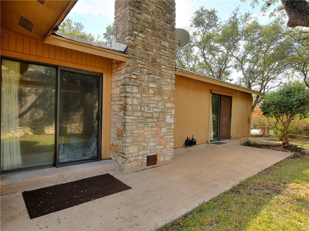 Pending   308 S Kings Canyon  Drive Cedar Park, TX 78613 14