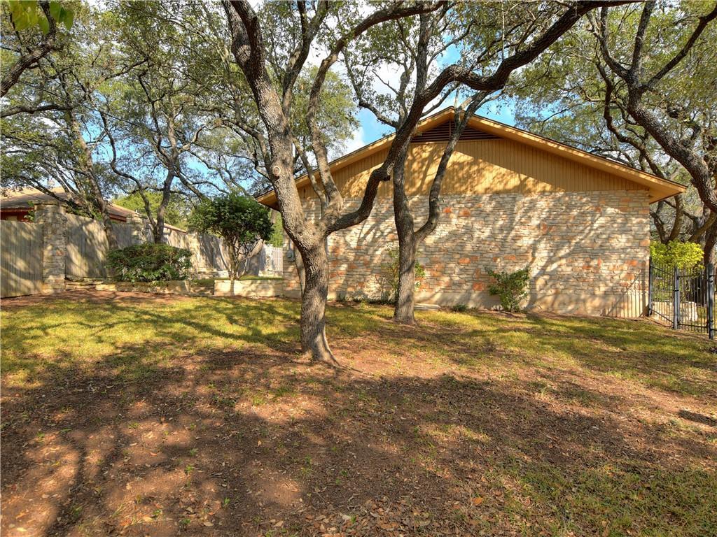 Pending   308 S Kings Canyon  Drive Cedar Park, TX 78613 18