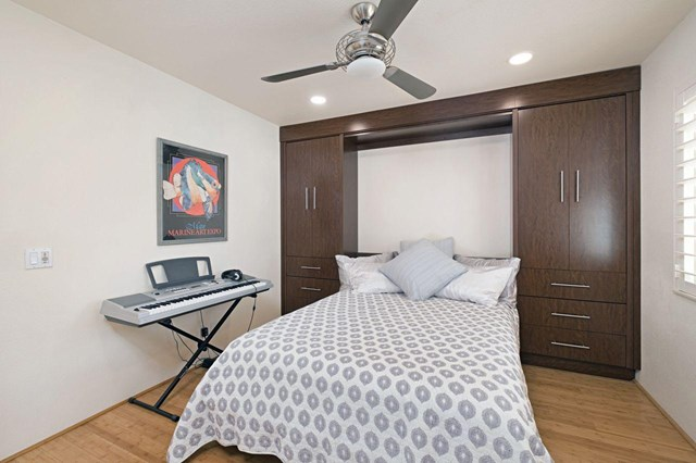 Active Under Contract   48100 Calle Seranas La Quinta, CA 92253 24