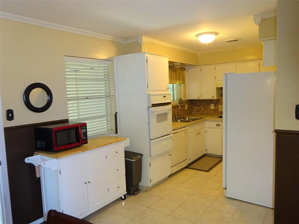 Active Option Contract | 1504 Wilshire  Boulevard Arlington, TX 76012 8