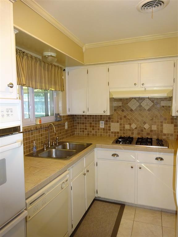 Active Option Contract | 1504 Wilshire  Boulevard Arlington, TX 76012 9