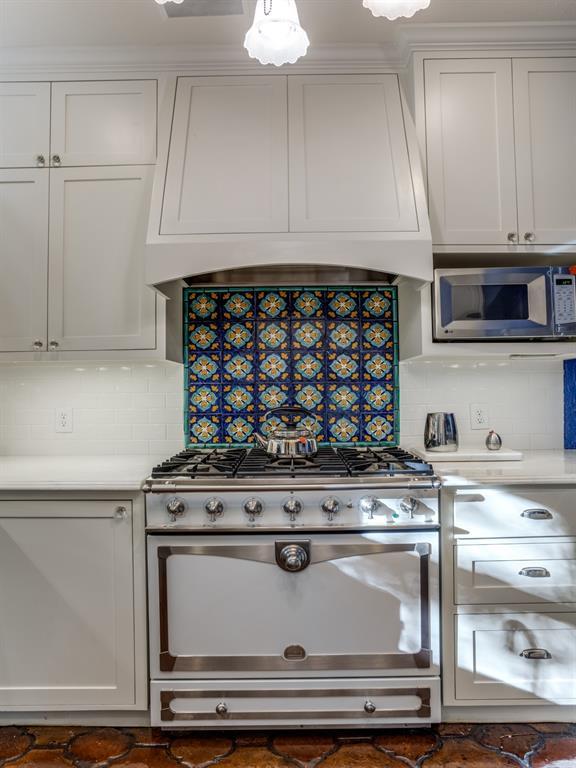 Sold Property | 7118 Lakewood Boulevard Dallas, Texas 75214 8