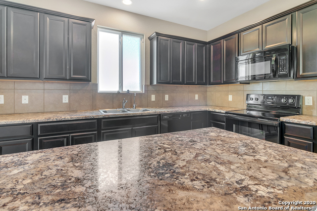 Active Option | 10147 Castello Canyon San Antonio, TX 78254 8