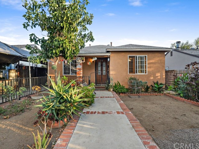 Active Under Contract | 13582 Dyer  Street Sylmar, CA 91342 0