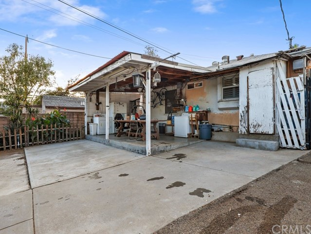 Active Under Contract | 13582 Dyer  Street Sylmar, CA 91342 11