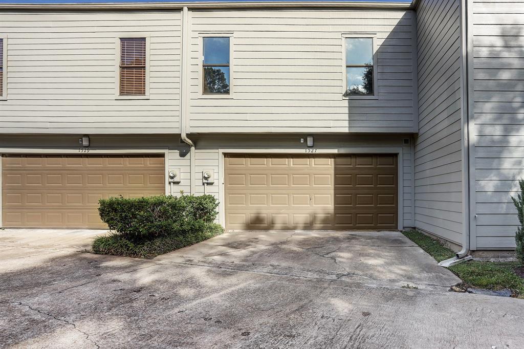 Active | 1527 Prairie Grove  Drive Houston, TX 77077 25