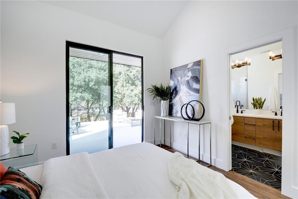 Active Under Contract | 1210 E 10th  Street Austin, TX 78702 20