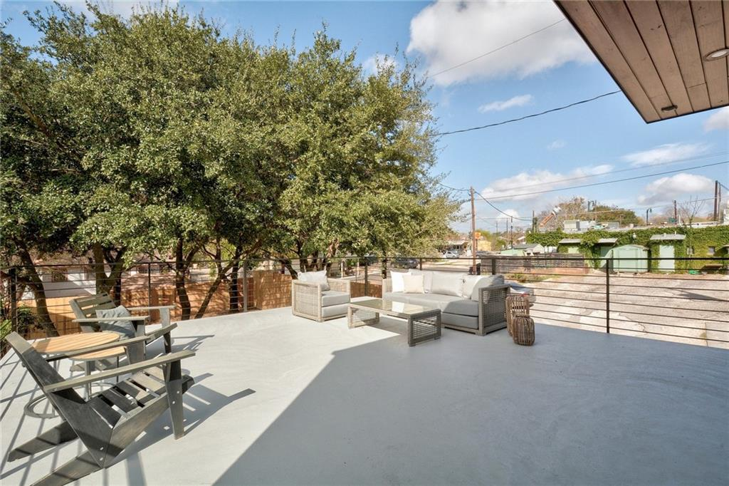 Active Under Contract | 1210 E 10th  Street Austin, TX 78702 25