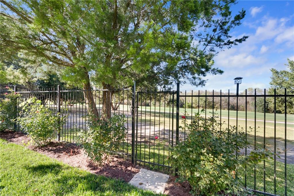 Active | 2514 Crenshaw  Drive Round Rock, TX 78664 32