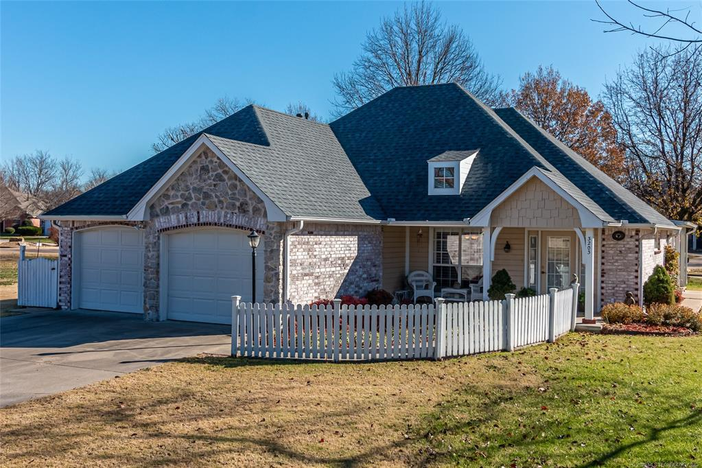 Active | 3203 Cypress Point Circle Claremore, OK 74017 0