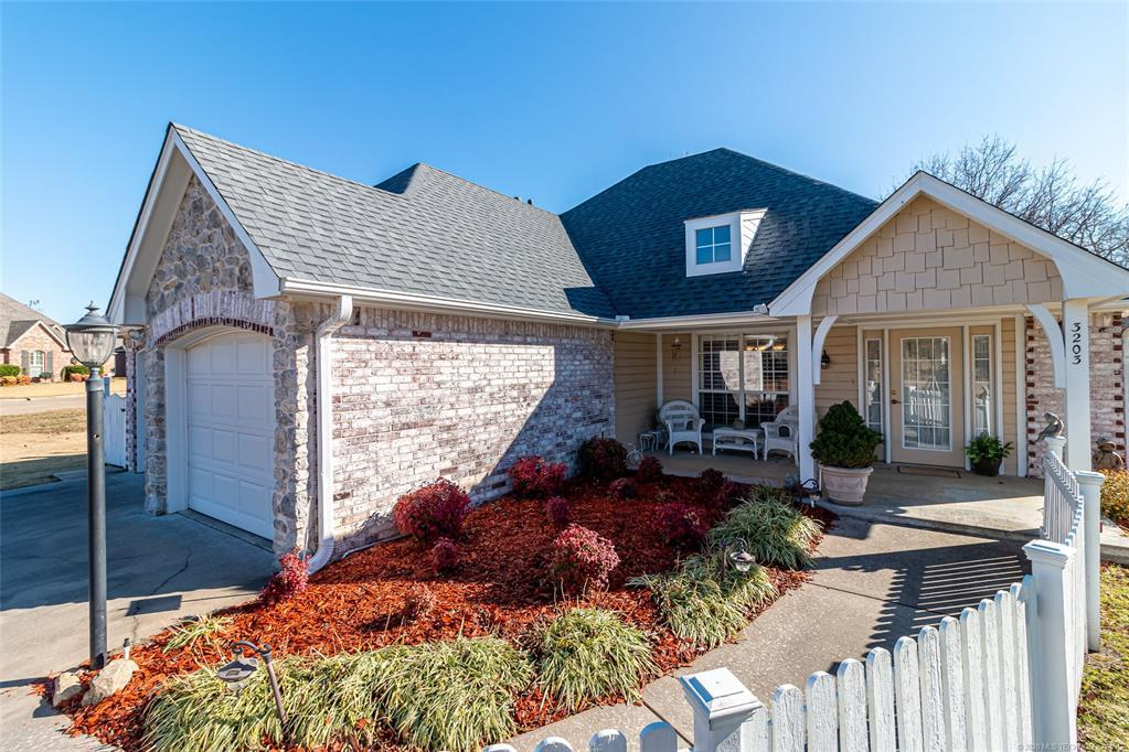 Active | 3203 Cypress Point Circle Claremore, OK 74017 1