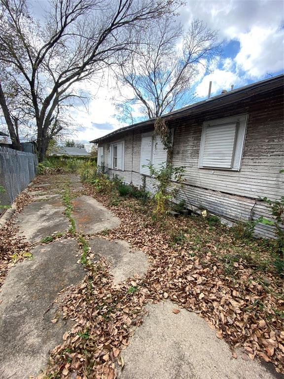 Sold Property | 3026 Reynolds Avenue Dallas, Texas 75223 2