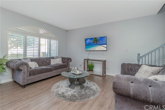 Closed | 10639 La Reina Avenue #104 Downey, CA 90241 4