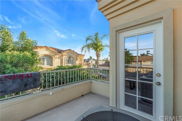 Closed | 10639 La Reina Avenue #104 Downey, CA 90241 21