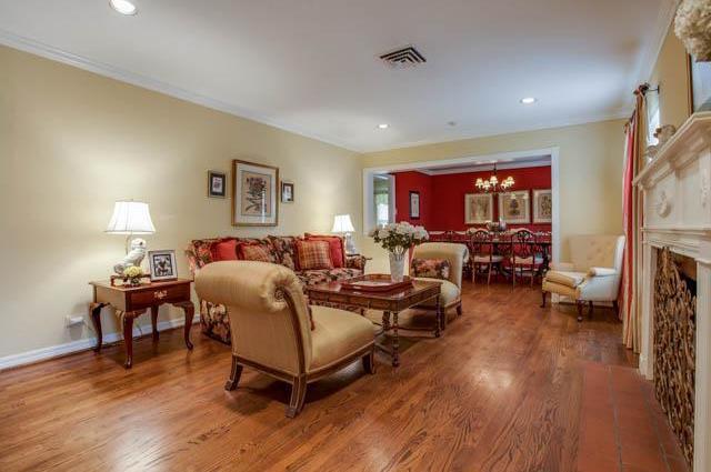 Sold Property | 6340 Marquita Avenue Dallas, Texas 75214 2