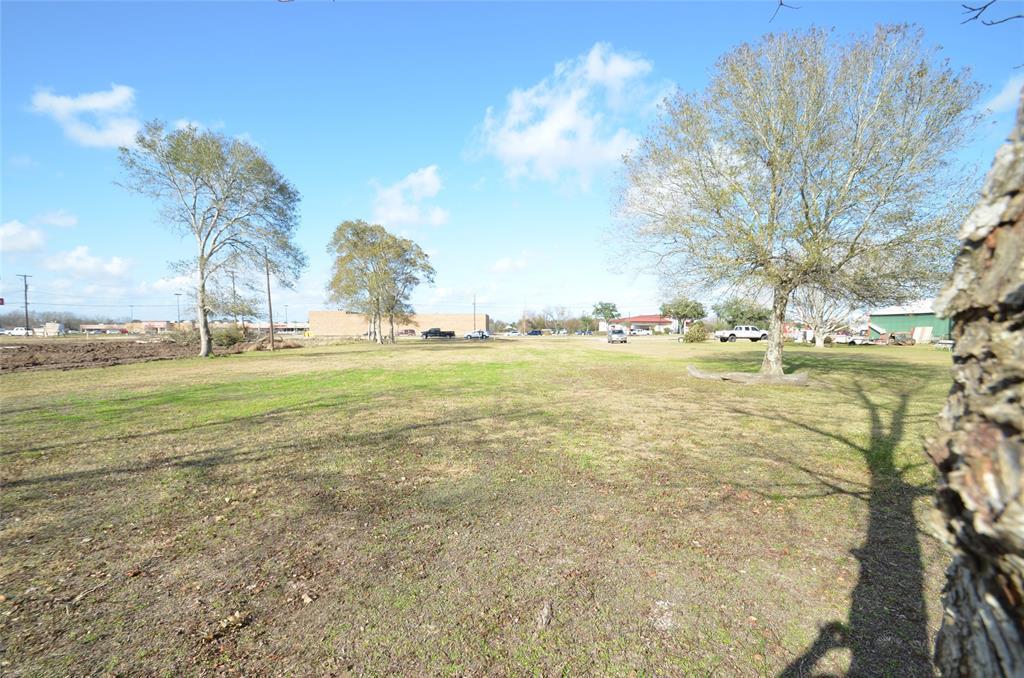 Active | 4020 Sargent Court Bay City, Texas 77414 3