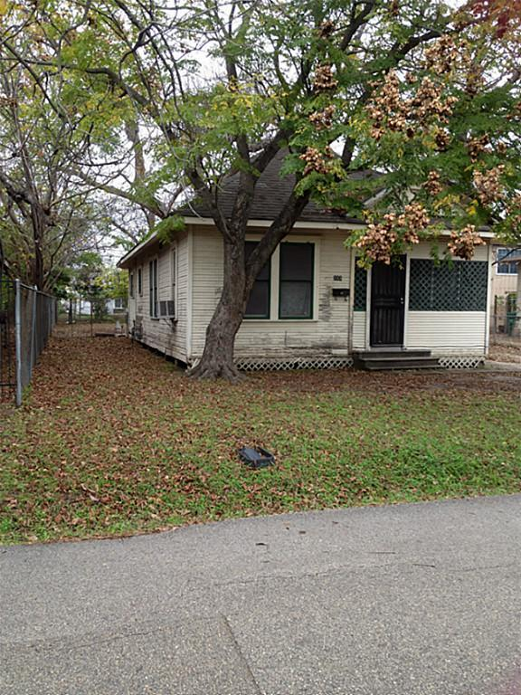 Active | 111 E 27th Street Houston, Texas 77008 1