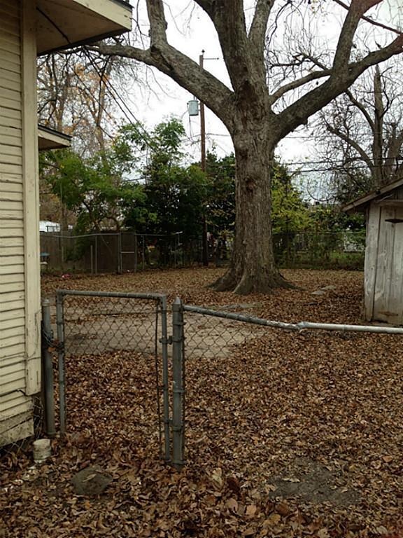 Active | 111 E 27th Street Houston, Texas 77008 5