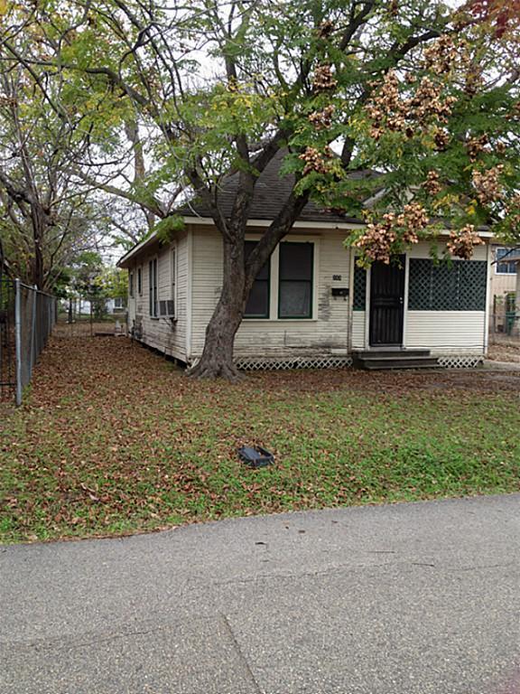 Active | 111 E 27th Street Houston, Texas 77008 9
