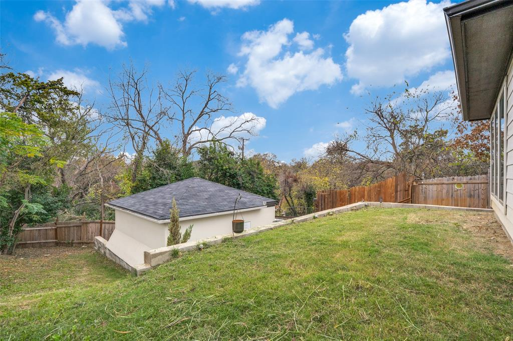 Pending | 1503 Whitaker Dallas, TX 75216 17