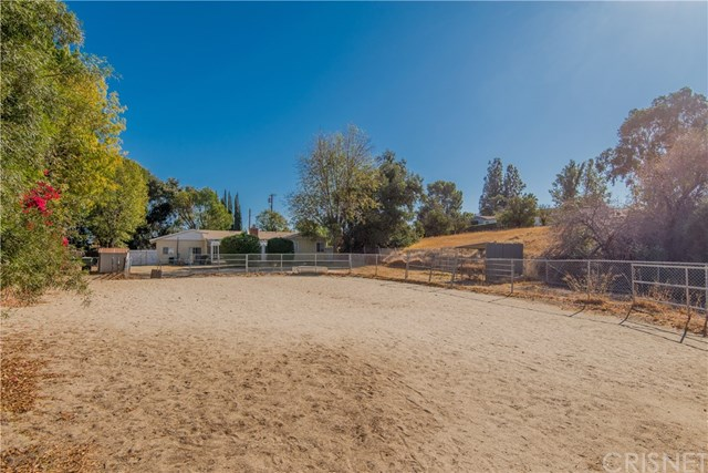 Closed | 10601 Independence  Avenue Chatsworth, CA 91311 12