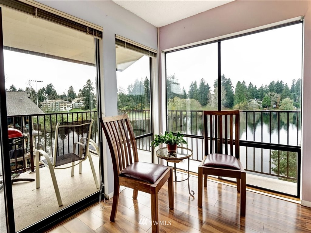 3 Bedroom Condo in Seattle | 13229 Linden Avenue N #405B Seattle, WA 98133 5
