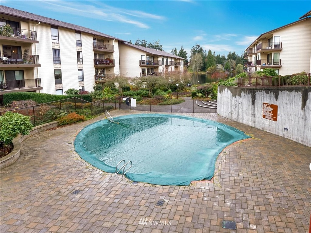 3 Bedroom Condo in Seattle | 13229 Linden Avenue N #405B Seattle, WA 98133 48