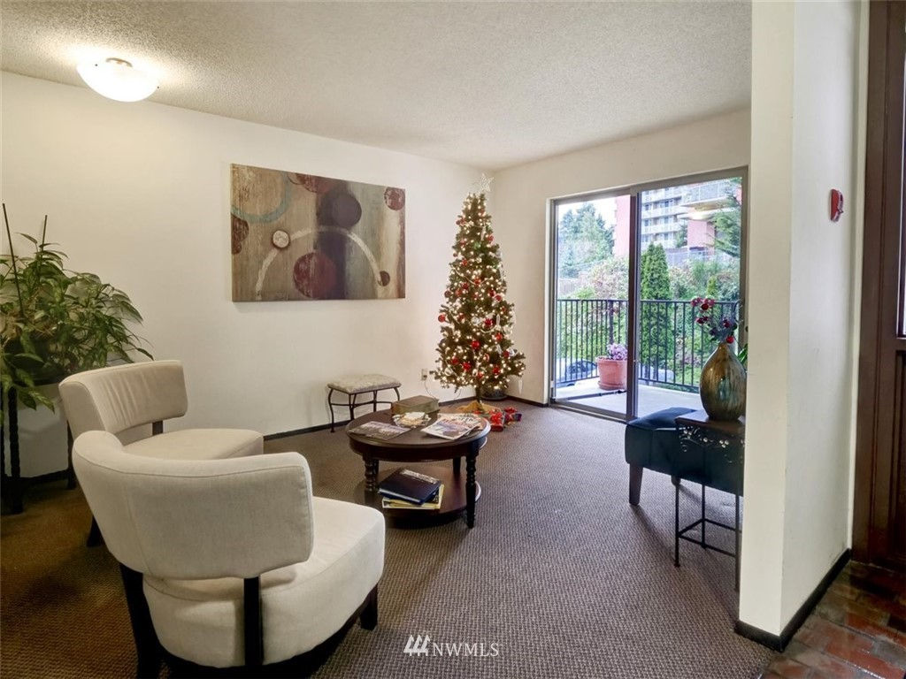 3 Bedroom Condo in Seattle | 13229 Linden Avenue N #405B Seattle, WA 98133 52