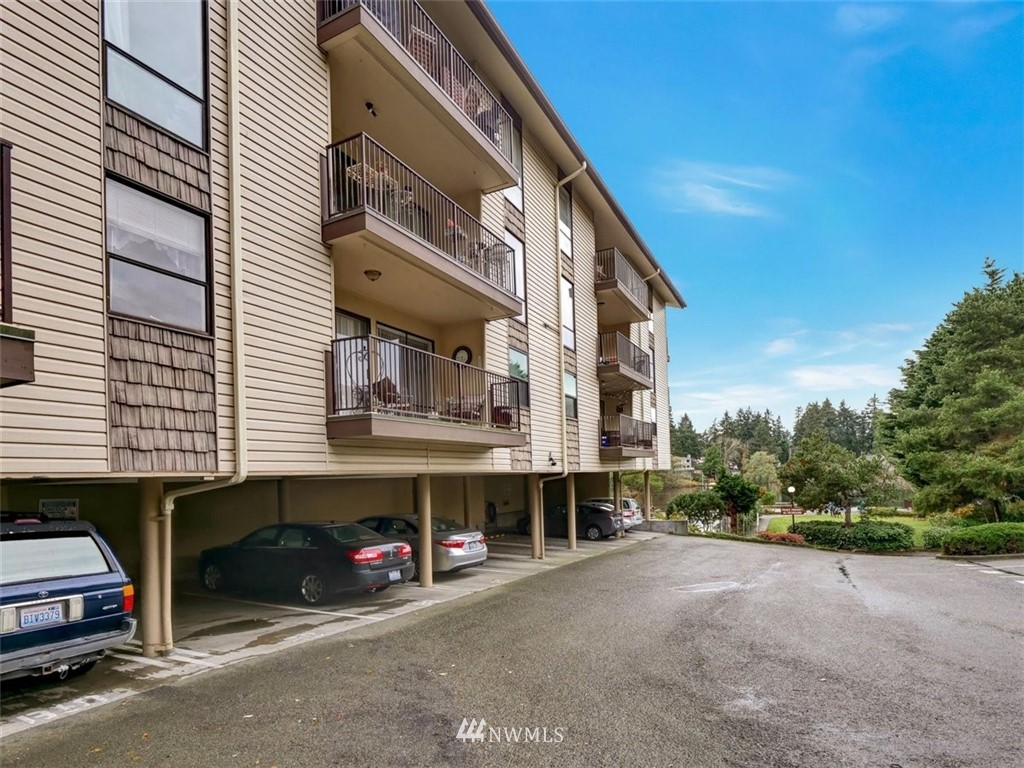 3 Bedroom Condo in Seattle | 13229 Linden Avenue N #405B Seattle, WA 98133 54