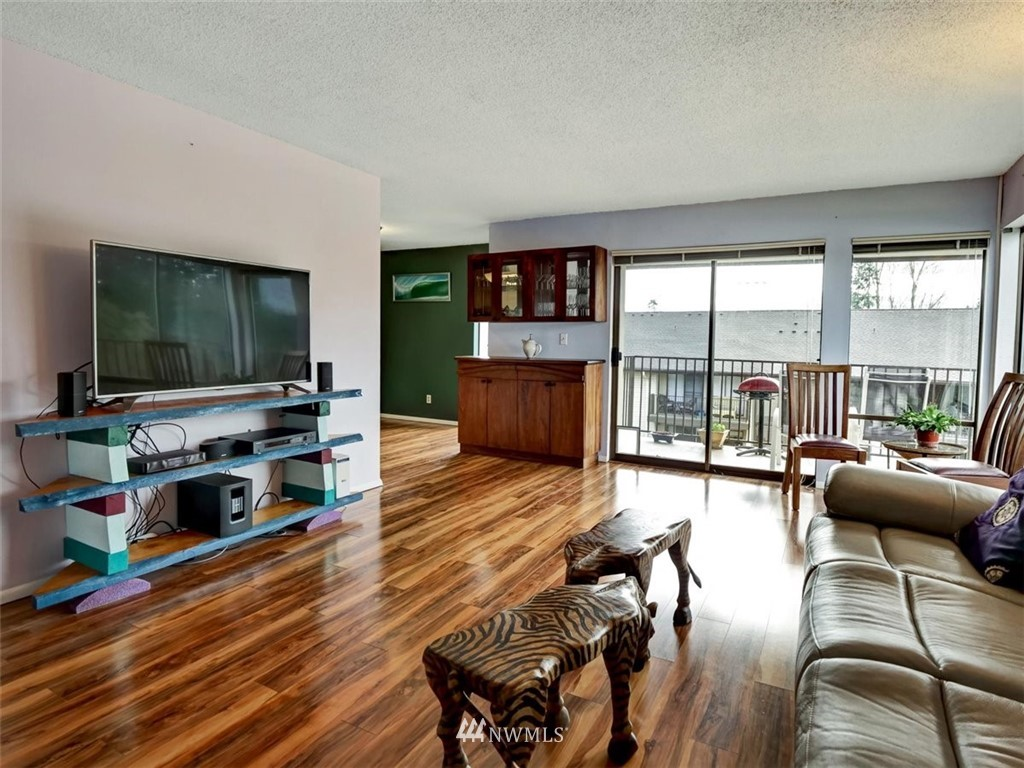3 Bedroom Condo in Seattle | 13229 Linden Avenue N #405B Seattle, WA 98133 19