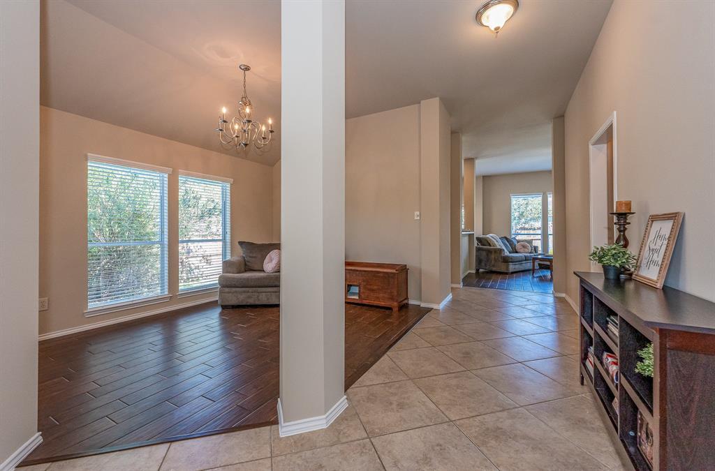 Pending   2101 Balsam Lake Lane Pearland, Texas 77584 13