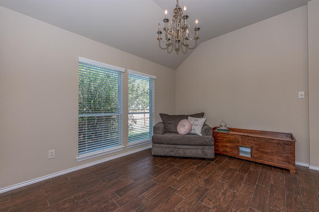 Pending   2101 Balsam Lake Lane Pearland, Texas 77584 3