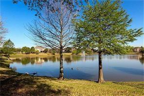 Pending   2101 Balsam Lake Lane Pearland, Texas 77584 34