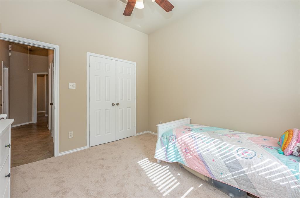 Pending   2101 Balsam Lake Lane Pearland, Texas 77584 5