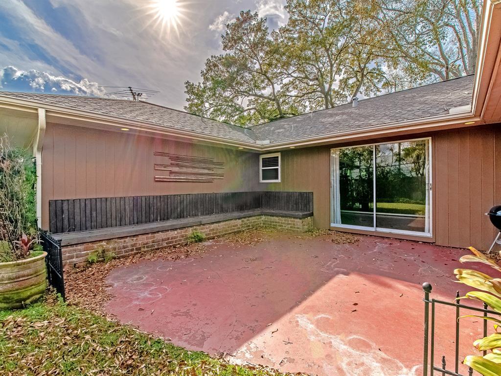 Off Market   9403 Timberside Drive Houston, Texas 77025 23